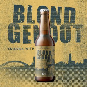 Den duiyk blondgenoot blond bier